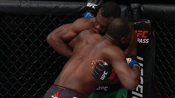 Uriah Hall contre Derek Brunson
