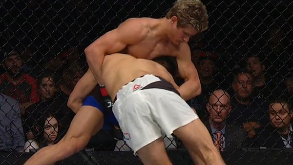 Sage Northcutt contre Mickey Gall