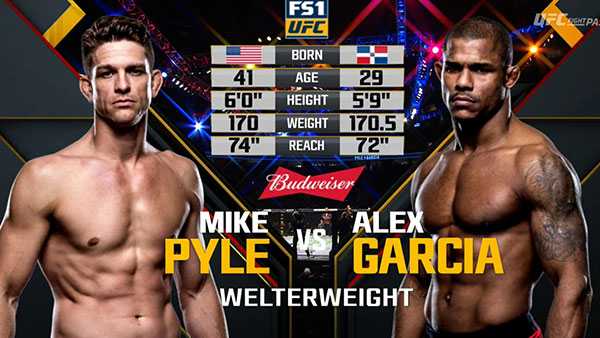 Mike Pyle contre Alex Garcia