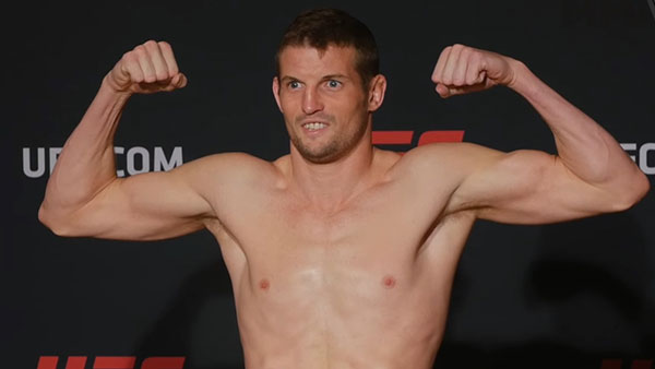Chas Skelly contre Jason Knight