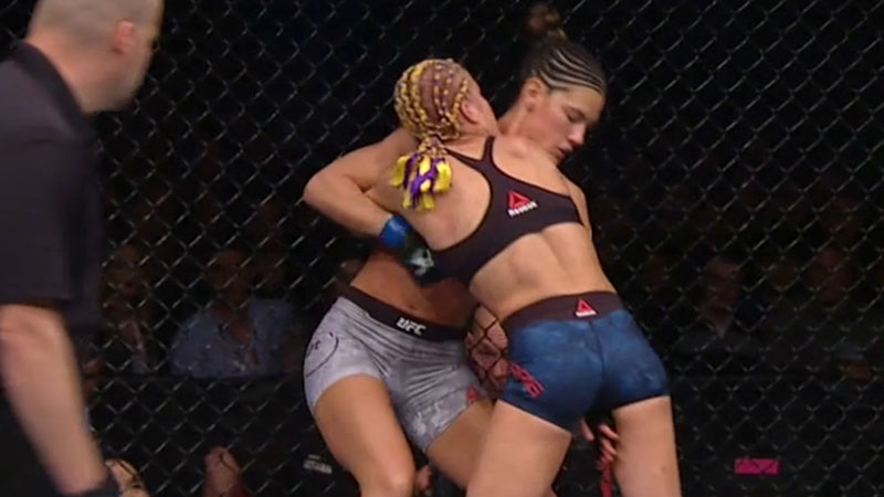 Felice Herrig contre Cortney Casey