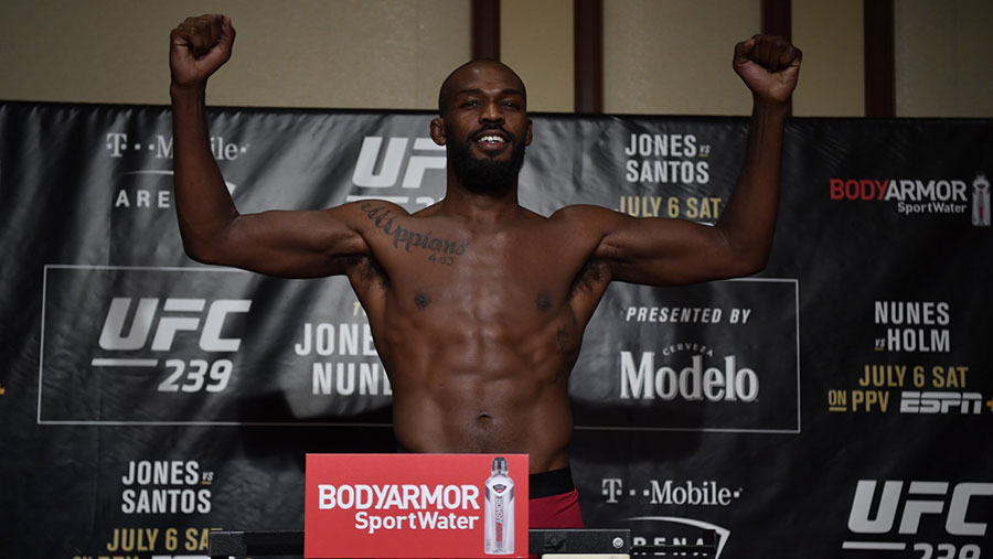 Jon Jones contre Thiago Santos
